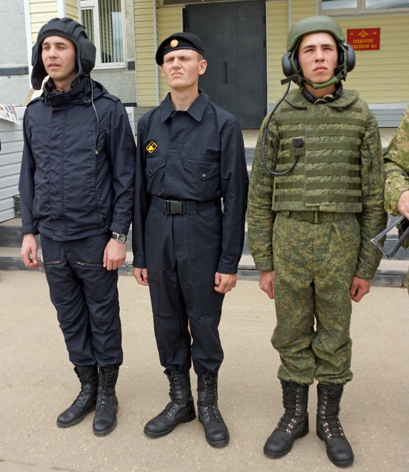 Russian Military Uniforms and Clothing - Page 3 4266916_original