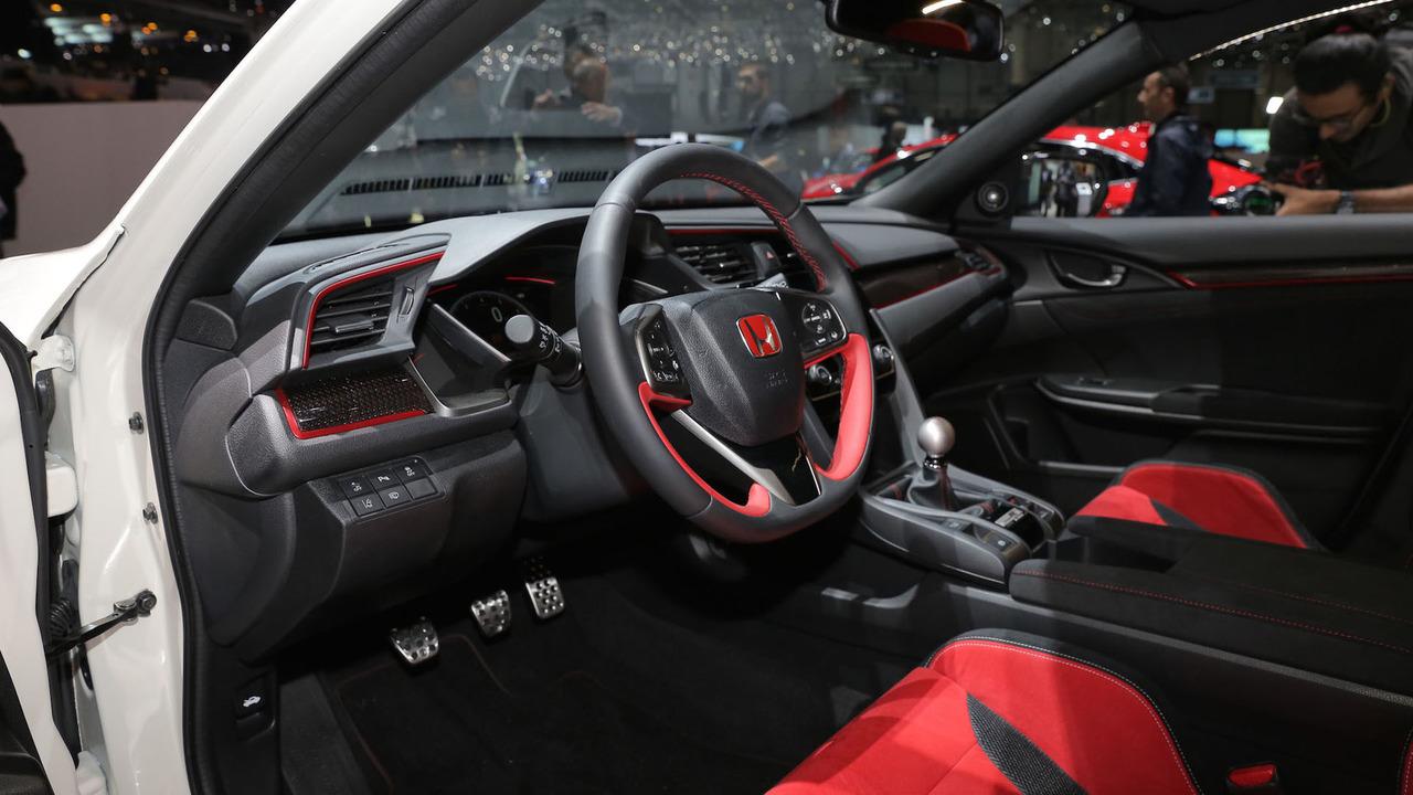2017 - [Honda] Civic Hatchback [X] - Page 9 2017-honda-civic-type-r-production-spec