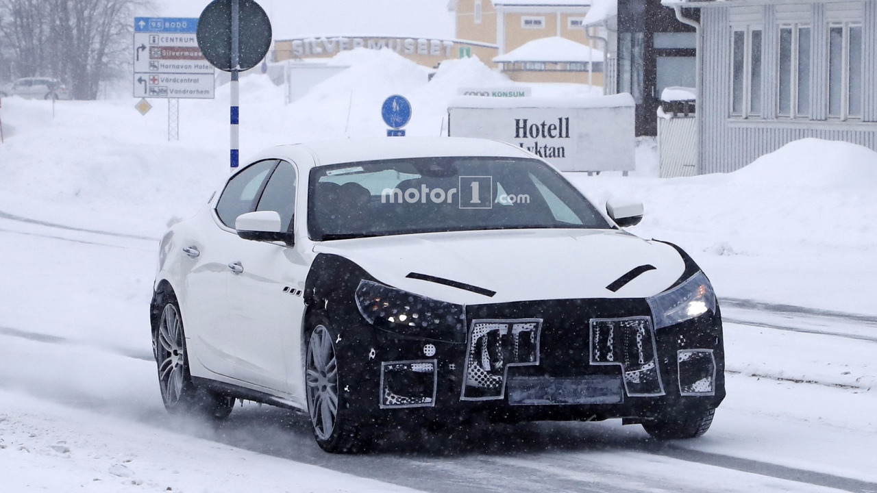 2014 - [Maserati] Ghibli - Page 9 2018-maserati-ghibli-facelift-spy-photo