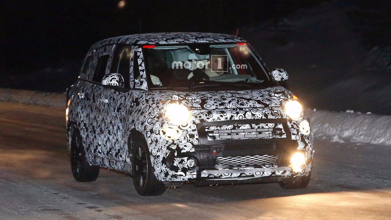 2017 - [Fiat] 500L restylée Fiat-500l-facelift-spy-photos1