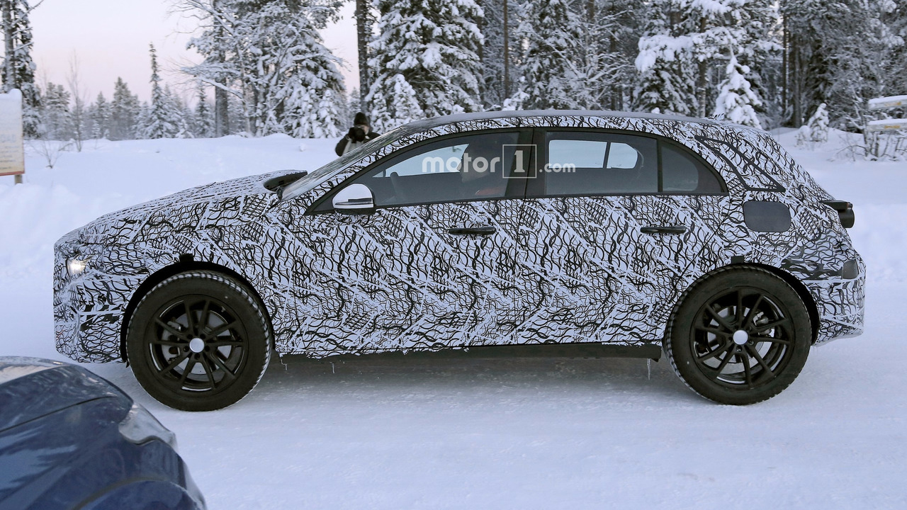 mercedes - 2020 - [Mercedes] GLA II 2019-mercedes-gla-spy-photo