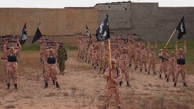 Who would Russia bomb in Syria? _85810527_dc4e840f-295f-47c5-b2d9-2066c860a0b4