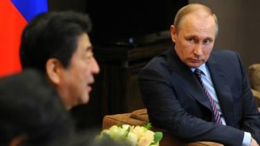 Rusia instalará una base en las islas por las que nunca hizo las paces con Japón. 160507023505_putin_abe_624x351_epa_nocredit