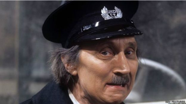 وفاة الممثل ستيفن لويس عن 88 عاما 150814100231_actor_stephen_lewis_640x360_rexfeatures