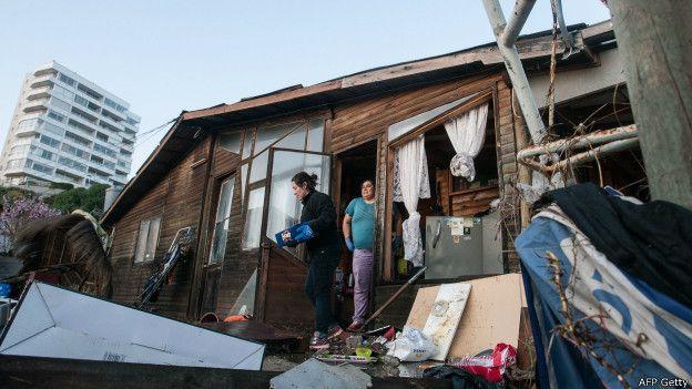 ¿Qué hace que los terremotos de gran magnitud sean menos mortíferos en Chile que en otros países sísmicos? 150917135224_chile_terremoto_624x351_afpgetty