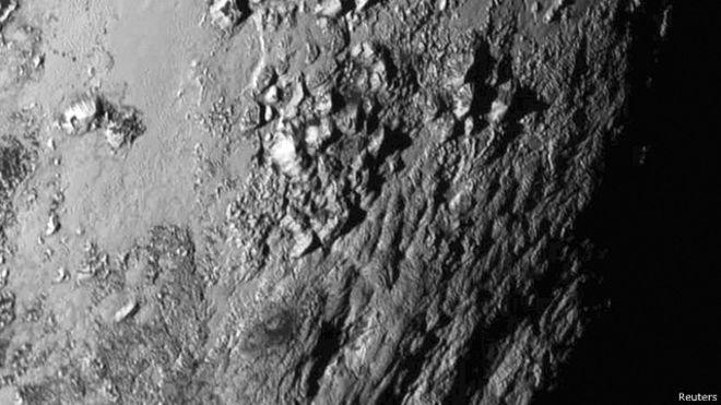 صور من الكوكب بلوتو 150715215840_pluto_image_640x360_reuters
