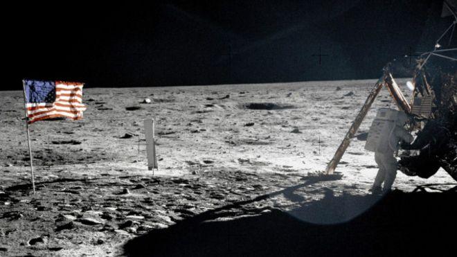 هل وصل رواد الفضاء الروس إلى سطح القمر قبل الأمريكان؟ 160222152135_cosmonauts_walked_on_the_moon_first_640x360_nasasciencephotolibrary_nocredit