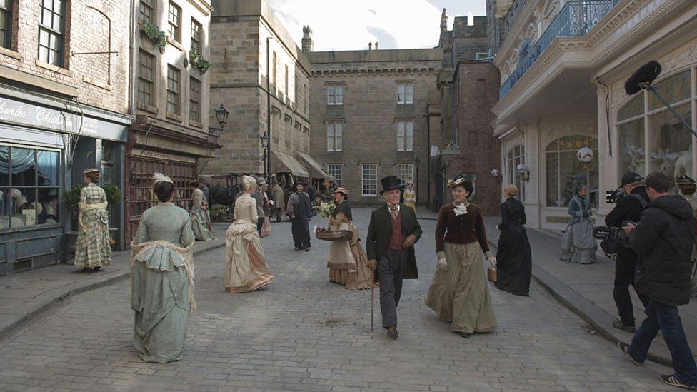 Les lieux de tournage de la série. P01gckn8