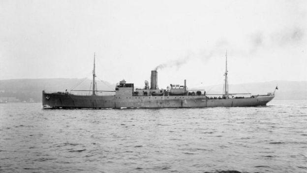 """Descubren submarino alemán UB-85 en el área donde hace 100 años fue hundido uno """"por un monstruo marino"""" _91970432_hms_coreopsis_-1917_iwm_sp_148"""