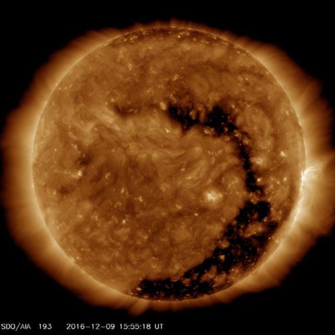Eventos en el cielo: eclipses y  otros fenómenos planetarios  - Página 12 _92905149_solhoyo2
