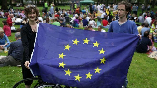 Tambalea la Unión Europea - Página 5 _90342505_gettyb2