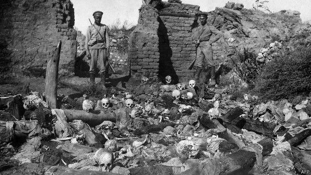 Primera Guerra Mundial del capitalismo. Algunos actos mi$erables y lavados posteriores. [HistoriaC] 150423132746_armenio_genocidio_centenario_imagenes_624x351_afp