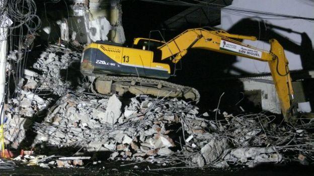 Testimonios terremoto en Ecuador 160420080624_ecuador_eathquake_640x360_matiaszibell_nocredit