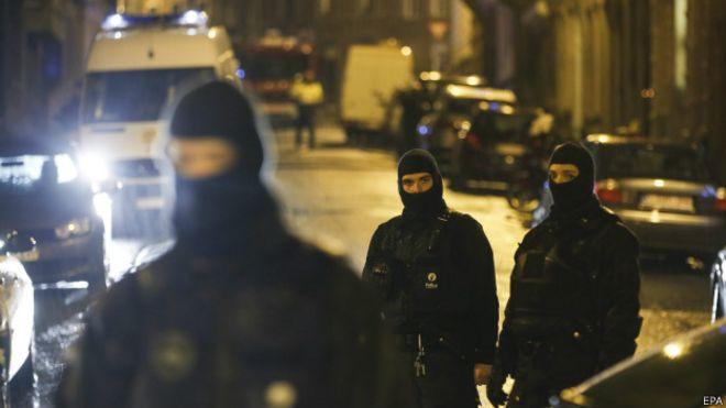 Noticias y  Generalidades - Página 3 150115190238_belgium_police_624x351_epa