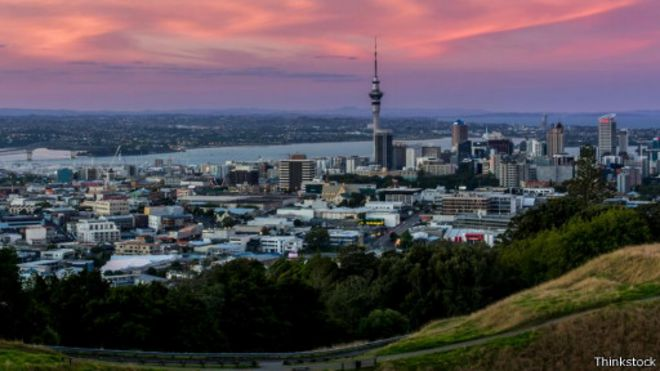 بالتفصيل : نيوزيلندا: رحلة إلى أكثر البلاد إثارةً على كوكبنا 150422165910_the_edgiest_place_on_earth_512x288_thinkstock