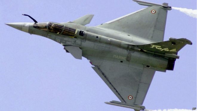 فرنسا تبيع قطر قريباً 36 طائرة رافال 150430141730_rafale_fighter_640x360_ap
