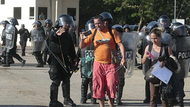 Más trabajadoras y trabajadores migrantes en Latinoamérica 151116042245_cubanos_frontera_nicaragua_afp_624