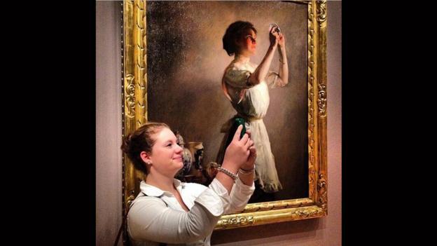 Museum of Selfies - Page 2 P01qcpzj