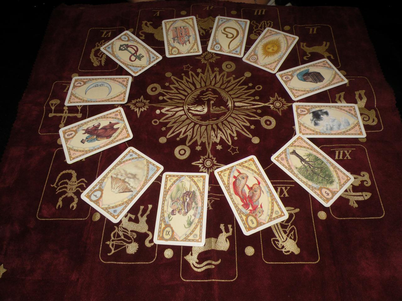 [Jeu] Association d'images - Page 5 Cartomancie-tarot-cartes