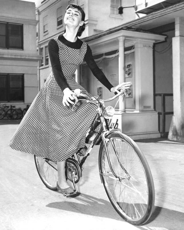 Abiti indossati da Audrey Hepburn Annex-hepburn-audrey-sabrina_13