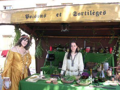 Philtres et potions des sorcières du Moyen-Âge Sorcieres-medieval-moyen-age