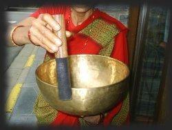 le pouvoir des sons Attitudezen_bol_tibetain_chantant1