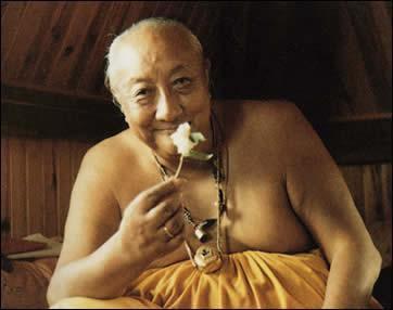Le sublime échange du bonheur et de la souffrance  par Dilgo Kyentsé Rinpoché Dilgo-khyentse-rinpoche-1