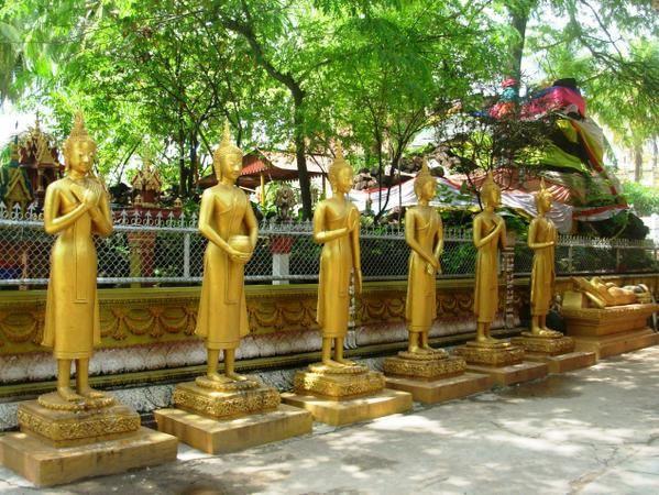 UN COUP DE COEUR POUR CES REPRESENTATIONS DE BOUDDHA Vientiane-2