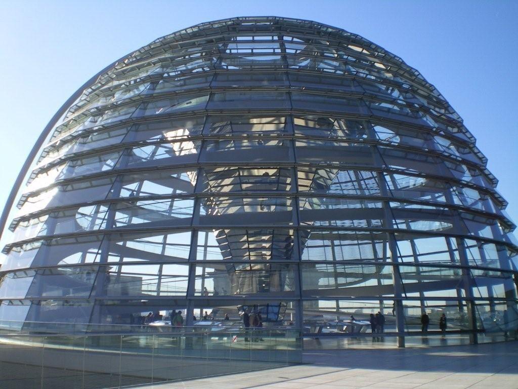 un lieu à trouver - blucat- 18 août tiercé gagnant par ordre d'arrivée martine ,martin, ajonc - Page 2 Berlincoupole-du-Bundestag