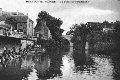 Villes et villages en cartes postales anciennes .. - Page 24 Cartes-postales-photos-Un-Coin-sur-l-Oudrache-PERRECY-LES-FORGES-71420-71-71346002-maxi