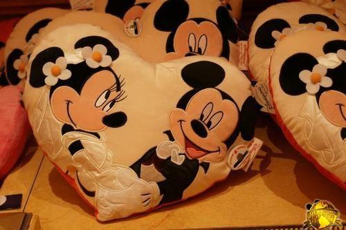 La Saint Valentin à Disneyland Paris - Page 2 504737blog