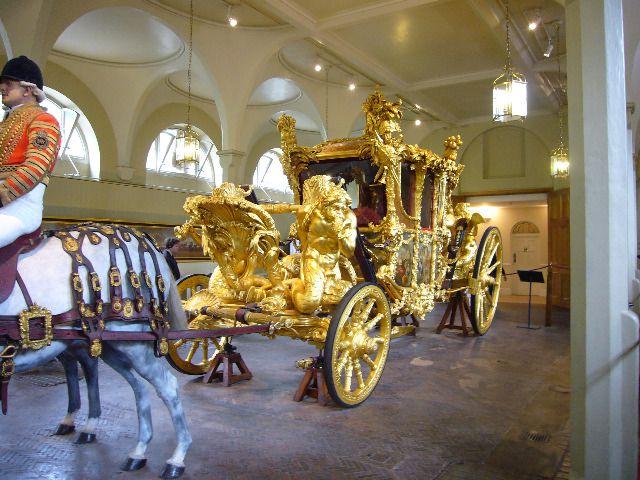 le carrosse de Martin du 20 novembre trouvé par sa majesté Martine Carrosse-5