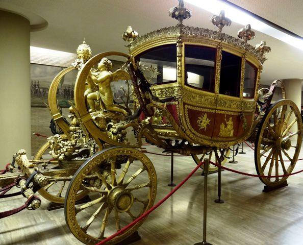 Le 2ème carrosse de Martin du 21 novembre trouvé par sa majesté Martine DSC03401