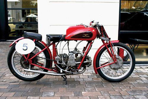 Les motos GUZZI ont 100 ans aujourd'hui 1938-moto-guzzi-250p