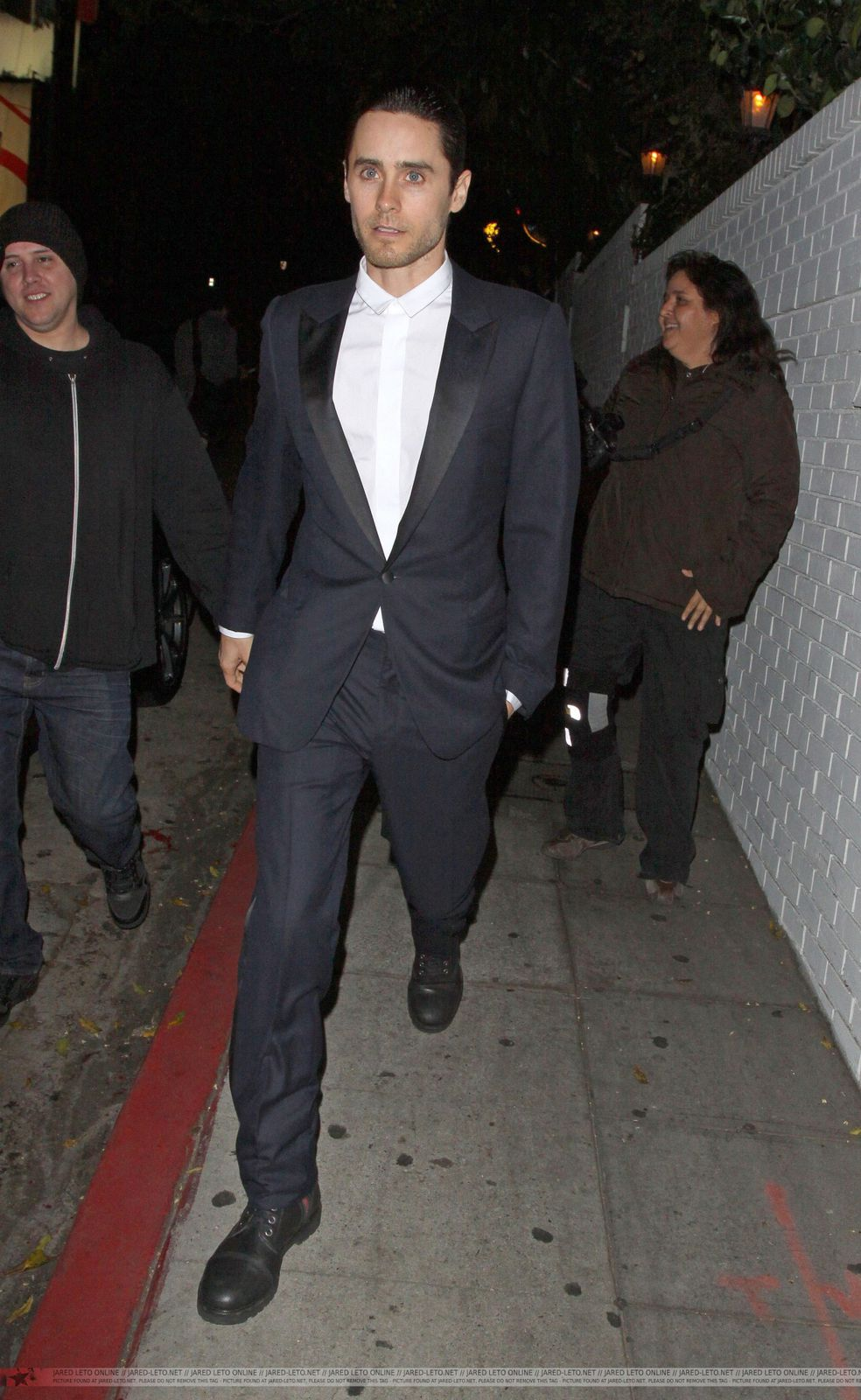 Jared Leto Leaving Chateau Marmont - Los Angeles - 21 Février 2012 0002