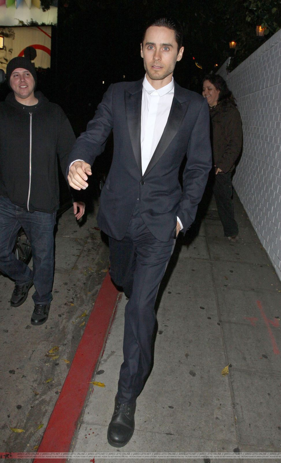 Jared Leto Leaving Chateau Marmont - Los Angeles - 21 Février 2012 0003