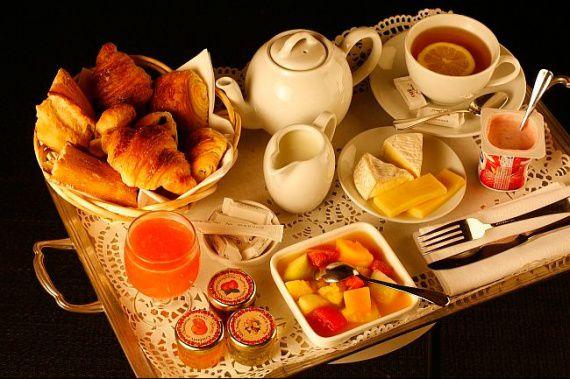 Lundi 18 août Coin-repas-petit-dejeuner-cm-img