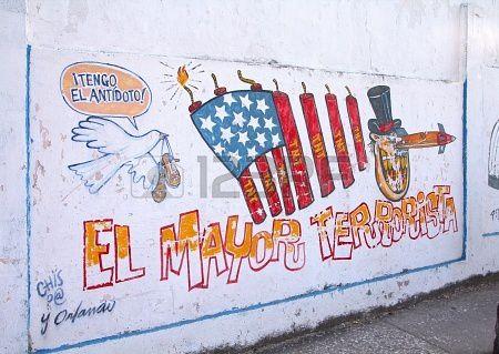 """Panique à Washington : """"Cubans are coming !"""" 18777345-santa-clara-cuba--22-fevrier-fresque-murale-avec-p"""