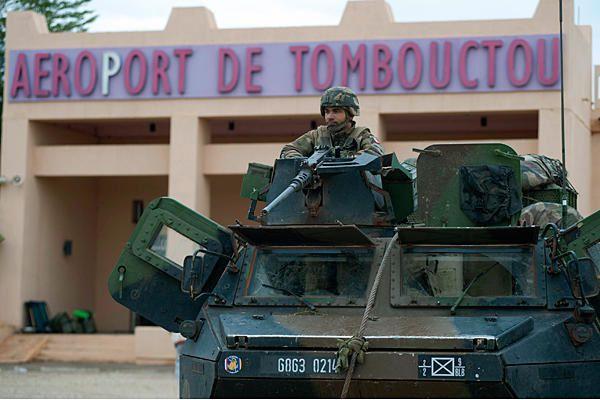 Mali : ingérence humanitaire ou nouveau Sahelistan ? Armee-francaise-a-Tombouctou