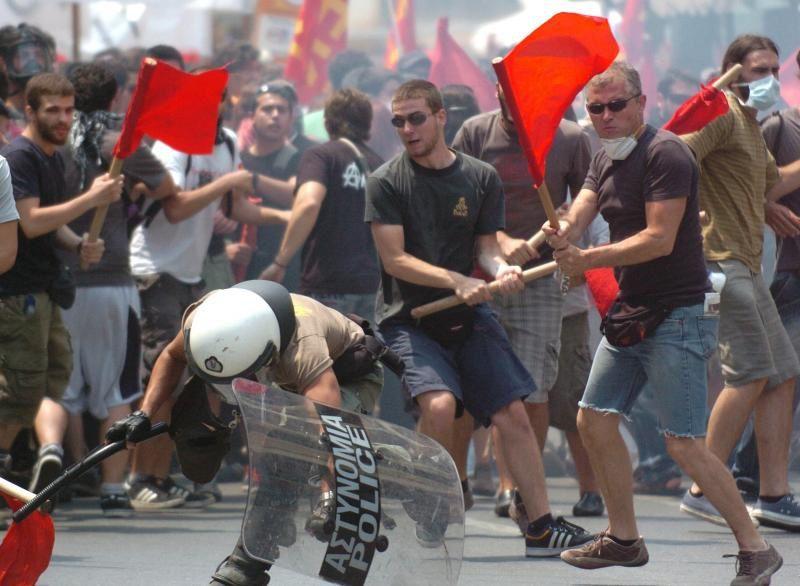 Entre faim et pauvreté, l'ombre est tombée sur le Parthénon… Grece---manifestations