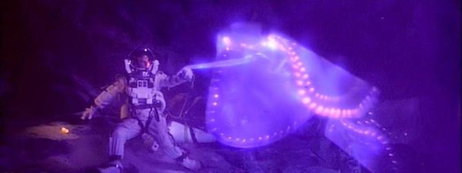 Najbolji filmski vanzemaljci The-Abyss-NTI-Alien-Screen-Used-Arm-3