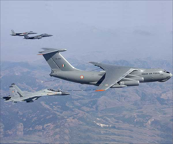 Il-76/476 Military Transports - Page 2 25sld2