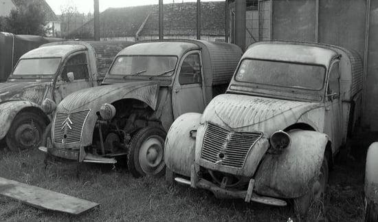 Appel à la nostalgie des épaves automobiles Epaves-de-voitures-france-1007735461-1098078