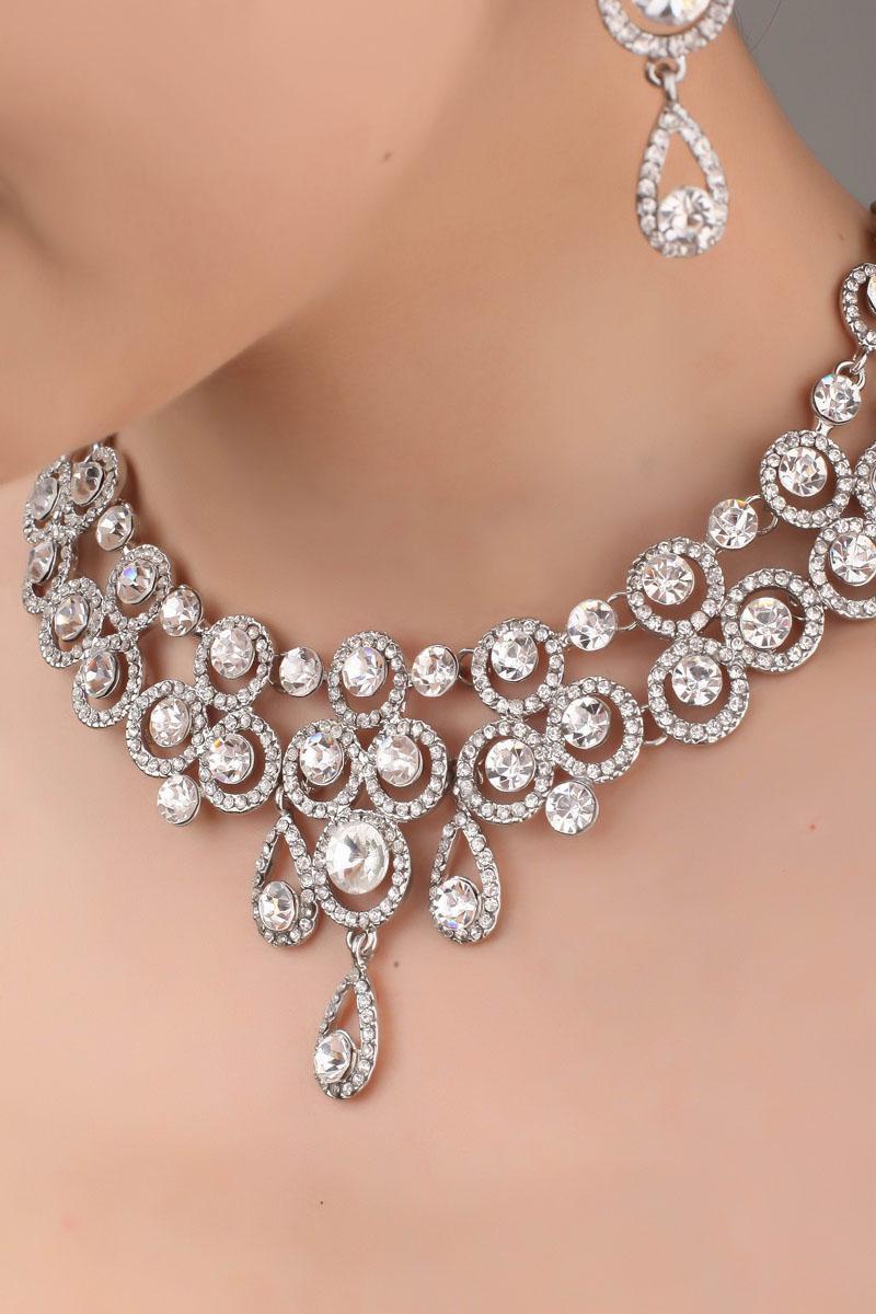 Un día entre dulces tras un día loco(Lexie, Derek) - Página 3 Designer-crystal-necklace-amp-earrings-bridal