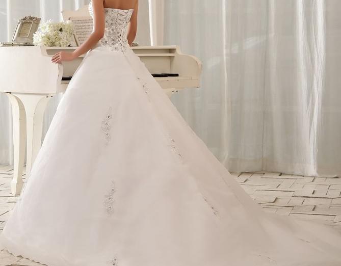 حلم كل فتاة  Applique-new-cathedral-ball-gown-strapless