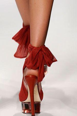 Tendenza Scarpe Primavera - Estate 2010 11-scarpe-fendi-spring-2010-00
