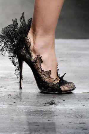 Tendenza Scarpe Primavera - Estate 2010 25-scarpe-valentino-spring-2010-02