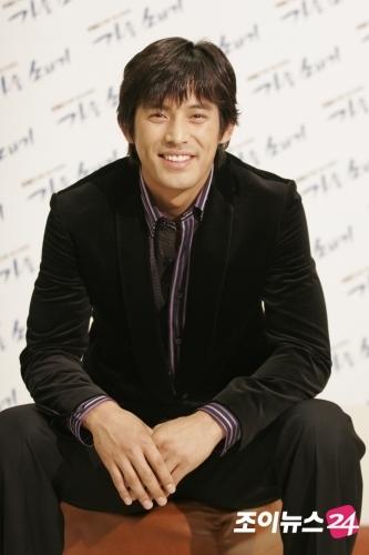 oh ji ho  الممثل الكوري الشهير والوسيم -صور له الان صور روووعه 1159165475232_1