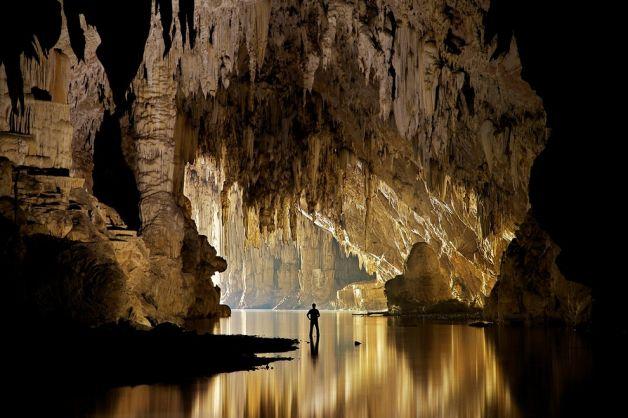 Le Meraviglie della Natura - Pagina 3 Stalagmiti-in-grotta