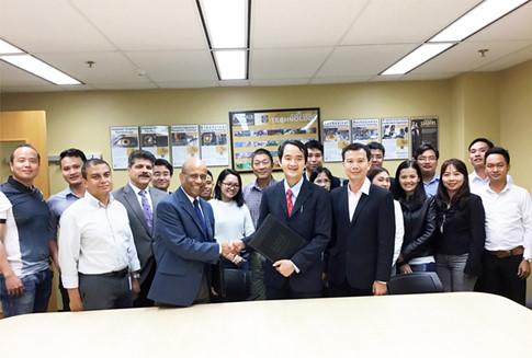 Duy Tân khởi động Chương trình Tiên tiến Điện-Điện tử, Cơ điện tử với ĐH Purdue Anh1_vnsn